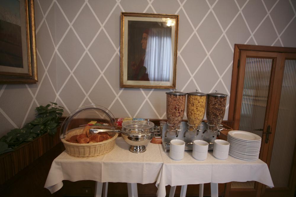 hotel-il-sole-empoli-sala-colazione8